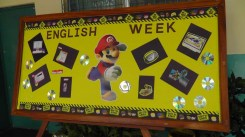Amarillis' board promoting English Week, and technology.