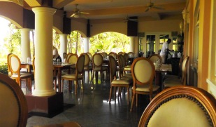 There was hardly anyone in the restaurant whenever we were there. The food was good and the prices reasonable.