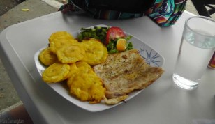 My lunch, same thing but with patacones. They make excellent ones here.