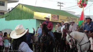 Navarro, possibly the next president of Panama. Yep, on a horse, in the middle of the street, no secret service, excited people taking photos with cell phones, shaking his hand, and wishing him success.