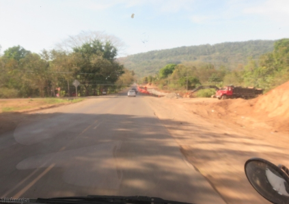 More dirt being moved, and a shoulder not fit for riding. It is possible to bypass the highway by taking route 5 between Santiago and the Tole checkpoint, but one must still travel this stretch of the road to go the rest of the way into or out of David (about 100 kilometers)