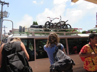 The bus from Chitre arrives with six bikes on top!