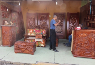 More doors and other beautifully carved items.