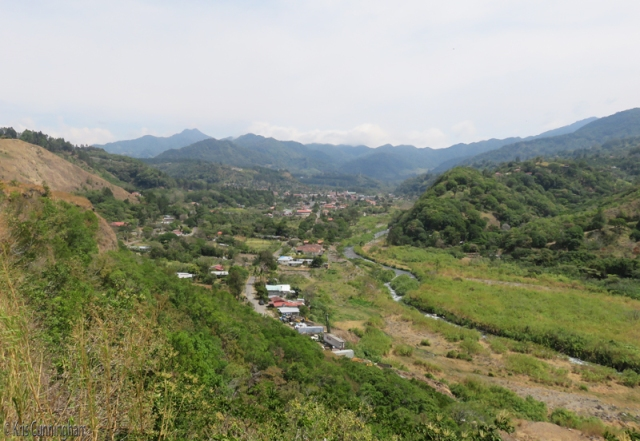 Just before driving down into Boquete proper, there is a tourist center with a great view of the valley below and the mountains beyond.