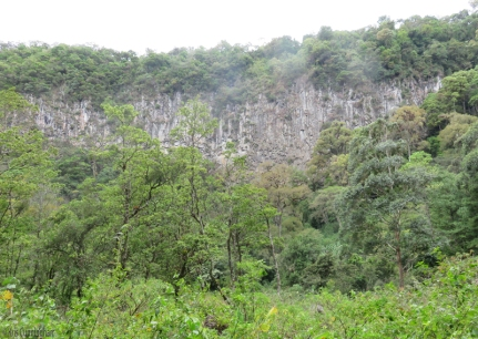 There are many cliffs and walls of rock in Panama