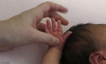 Precious sweet little hands.