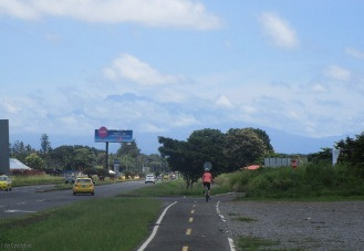 Coming up from the airport to David, look in the clouds and you can see Baru towering over the city.