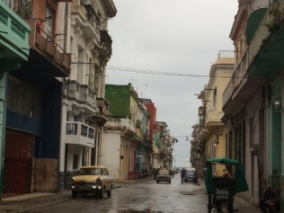 A street scene as we approach the Malecon