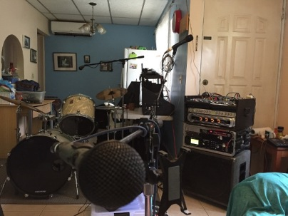 Getting ready for gigs.... our living room always looks like a music studio. When we pack everything in the car, then we can clean it before everything comes back again.